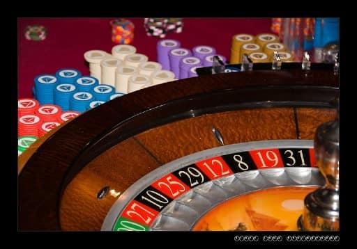 ネットカジノでしか使えない攻略法を試して稼ぐ